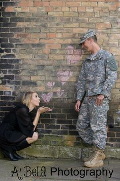 Military Couple Love Photo Poses For Couples, Couple Picture Poses, Couples Images, Couple Pictures, Cute Couples, Picture Ideas, Photo Ideas, Chalk Photography, Army Photography