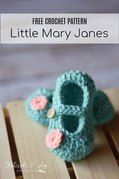 Cute Crochet Patterns Free Crochet Pattern - Get the free pattern for these adorable baby bootie Mary Janes! {Pattern by Whistle and Ivy} - Free Crochet Pattern - Little Dot Mary Janes Crochet Baby Boots, Crochet Baby Sandals, Booties Crochet, Baby Girl Crochet, Crochet Baby Clothes, Newborn Crochet, Crochet Slippers, Crochet For Kids, Crochet Shoes