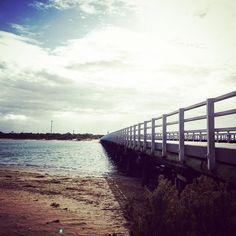 Enjoying a little rain this morning then back to #sunnydays this afternoon  #barwonriver #barwonheadsbridge #outdoors #naturelovers  #aguideto #aguidetobarwonheads #barwonheadscafes  #smallbusiness #shoplocal #livelovelocal  #photography #ocean #beach #surf #art #summer  #barwonheads #oceangrove #bellarine #bellarinepeninsula #gtown #geelong #melbourne #visitvictoria #tourismgeelong #australia #seeaustralia #visitgeelongbellarine #melbournetouristguide by a_guide_to_barwonheads…