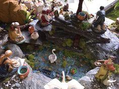 Lavanderas! Christmas Crafts, Christmas Decorations, Xmas, Christmas Ideas, Christmas Villages, Fairy Houses, Diorama, Nativity, Diy And Crafts
