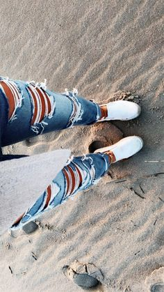 Charming Ripped Jeans Outfits Ideas Ripped jeans have been worn as a fashion statement since the During the many chose to deform their […] Fashion Models, Teen Fashion Outfits, Jean Outfits, Black Outfits, Grunge Outfits, Cute Casual Outfits, Summer Outfits, Simple Outfits, Winter Outfits