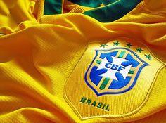 """Cem anos de alegrias, tristezas, glórias, derrotas e tradição. Tudo isso resumido à camisa do time do coração de um torcedor. Em sua 10ª edição, o """"Encontro de Colecionadores de Camisas de Futebol"""" traz como tema o Centenário das Camisas, no Museu do Futebol. Neste sábado, das 10h às 17h, com entrada Catraca Livre. Aficionados...<br /><a class=""""more-link"""" href=""""https://catracalivre.com.br/sp/agenda/gratis/colecionadores-de-camisas-se-reunem-neste-sabado-no-pacaembu/"""">Continue lendo »</a>"""