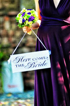 Ask your bridesmaids to announce your arrival with a wooden sign. | www.bridalbook.ph