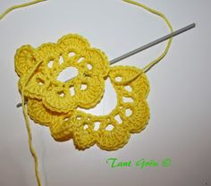 TANT GRÖN: Virka en midsommarkrans Ravelry, Crochet Earrings, Crochet Patterns, Crocheting, Baby, Crochet, Crochet Pattern, Baby Humor, Crochet Tutorials