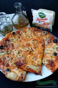 Pizza Diavolo Romanian Food, Pizza, Cheese, Homemade, Gourmet, Mariana, Entrance Halls, Home Made, Hand Made