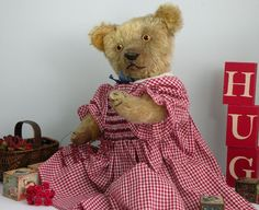 ANTIQUE & VINTAGE TEDDY BEARS