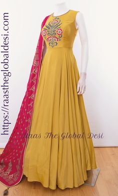 Indian Gowns Dresses, Brocade Dresses, Indian Fashion Dresses, Dress Indian Style, Indian Designer Outfits, Pakistani Dresses, Indian Outfits, Indian Clothes, Indian Wear