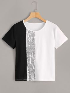 To find out about the Cut And Sew Sequin Panel Tee at SHEIN, part of our latest T-Shirts ready to shop online today! Teen Fashion Outfits, Girl Outfits, Casual Outfits, Fashion Dresses, Cute Outfits, Umgestaltete Shirts, Tees, Pullover Jacket, Jugend Mode Outfits