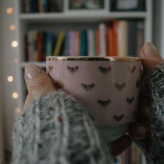☕️ Kawa czy herbata? ☕️ #Luty! Niech to będzie dobry miesiąc 🍀 Ps. Najwyższy czas schować wszystkie ozdoby świąteczne. Bez wyjątku i… Luty, Coffee, Tableware, Kaffee, Dinnerware, Tablewares, Cup Of Coffee, Dishes, Place Settings