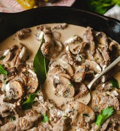 Best Beef Stroganoff- just a few ingredients and 20 min of your time! Best Beef Stroganoff- just a few ingredients and 20 min of your time! Think Food, I Love Food, Food For Thought, Good Food, Yummy Food, Boeuf Stroganoff Rezept, Best Beef Stroganoff, Beef Stroganoff With Mushrooms, Food Porn