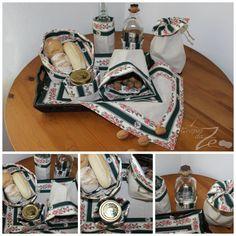 Conjunto Belmonte Verde: saquinhas com dupla face, uma em linho e outra em chita de Alcobaça; atilho para fechar e guardar.