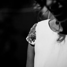 A bride in black and white. Shot by Sara Lobla www.saralobla.com  #saralobla #boda #wedding #novia #bride #naturalwedding #blackandwhite