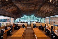 11. Dự án Đổi mới Văn phòng của Nhà máy (Factory Office Renovation) Thực hiện: Kiến trúc sư Võ Trọng Nghĩa. Địa điểm: Việt Nam