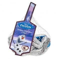 Chocolate foil wrapped Olaf's in a net. Olaf, White Chocolate, Make It Simple, Frozen, Christmas, Xmas, Navidad, Noel, Natal