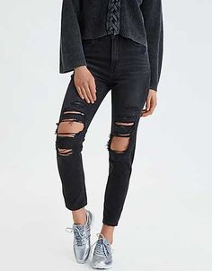 Shop American Eagle for Women's High-Waisted Jeans that look as good as they feel. Browse jeggings, skinny jeans, Curvy jeans and more in the high-waisted fit you love. Ripped Jeggings, Outfit Jeans, Women's Jeans, Diy Jeans, Casual Jeans, Denim Pants, Trousers, Trendy Swimwear, Black Ripped Jeans
