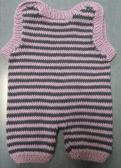 Tag der Handarbeit 2016: diese milde Gabe ist ein Babystrampler aus reiner Baumwolle. Vielen Dank an die Strickerin! :-)  Eine Aktion der @initiativehanda