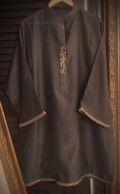 Stylish Dress Designs, Stylish Dresses For Girls, Simple Pakistani Dresses, Pakistani Dress Design, Pakistani Fashion Party Wear, Pakistani Outfits, Sleeves Designs For Dresses, Kurta Neck Design, Vanz