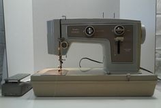 Vintage SEARS Kenmore Sewing Machine Model 148-12500 w Case & Pedal Avocado