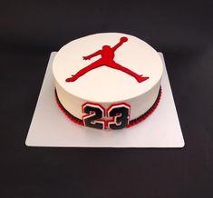 Basketball - cake by Dragana Teen Boy Birthday Cake, Birthday Cake For Father, Birthday Cake For Boyfriend, Toddler Birthday Cakes, 14th Birthday Cakes, Funny Birthday Cakes, Birthday Cakes For Teens, 23rd Birthday, Michael Jordan Cake