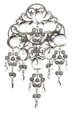 Sølje i oksidert sølv til nordlandsbunaden. Constitution Day, Filigree Jewelry, Norse Vikings, Viking Jewelry, Samara, Ethnic Jewelry, All Art, Norway, Traditional
