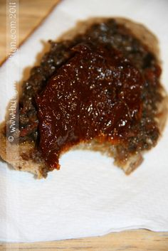 Sundried Tomato Olive Tapenade - great over grilled chicken or fish No Carb Recipes, Dip Recipes, Appetizer Recipes, Appetizers, My Burger, Tapenade, Culinary Arts, A Food, Tapas