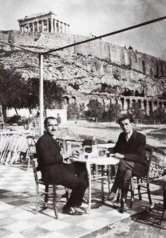1928 ~ Ο Νίκος Καζαντζάκης σε καφενείο κάτω απ' την Ακρόπολη.