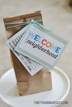 Welcome a new neighbor with this cute idea.  Adorable printable included!