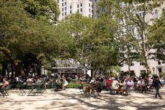 Nada mejor para disfrutar de una buena hamburguesa que ir al @shakeshack de Madison Square Park #nuevayork http://ift.tt/2nlLYvA