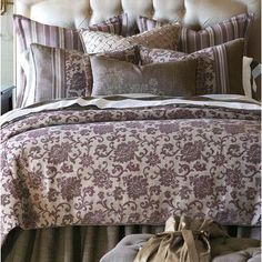 Eastern Accents Mica Polyester Comforter Size: Super King, Finish Type: Button-Tufted