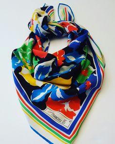 Foulard / scarf vintage stampa floreale  by Louise Francoise #vintage #scarf