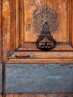 https://flic.kr/p/aTHDx4 | PARIS OLD DOOR BY THE SEINE RIVER