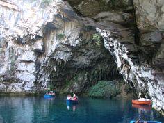 Cave of Melissani, Σπήλαιο Μελισσάνης, Kefalonia, Greece