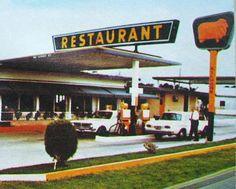 The Golden Fleece service station and Roadhouse Resaurant, Dromana. Aussie Australia, Terra Australis, Gas Service, Old Garage, Old Gas Stations, Beers Of The World, Melbourne Victoria, Old Signs, Old Tv