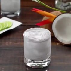 Skinny Coconut Margarita ⠀ Recipe down below 👇⠀ oz Tequila⠀ oz Triple Sec⠀ oz Coconut Milk⠀ 4 oz Coconut water⠀ Rim: Salt⠀ Garnish: Lime wheel⠀ —————————⠀ Rim a rocks glass and set aside⠀ Coconut Milk Cocktail, Coconut Tequila, Coconut Margarita, Coconut Drinks, Margarita Recipes, Tequila Drinks, Cocktail Drinks, Cocktail Recipes, Alcoholic Drinks