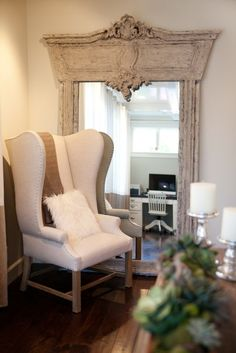 Web-design, photography, and social media management client: Darci Goodman Design. Her interior design is amazing! Voted Best of Houzz 4 years in a row! Rustic Mirrors, Ornate Mirror, Mirror Mirror, Room Accessories, Home Look, Southern Style, Rustic Decor, Home And Family, House Design