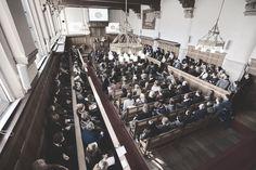 #Tbt to the last Open Day the 5th of March 2016. The halls were well filled and 6.064 visitors were present which 'was' a record for our University. 'Was' because this Saturday there will be over 7.000 visitors! | 5 Maart 2016 de vorige Open Dag. De zalen zaten bomvol en er kwamen 6.064 bezoekers. Voor onze Universiteit 'was' dat een record. 'Was' omdat er aanstaande zaterdag meer dan 7.000 bezoekers komen!  #ThrowbackThursday #Throwback #LeidenUniversity #UniversiteitLeiden #Visitors…