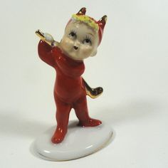 Devil Pixie Boy Golfer Sport Figurine