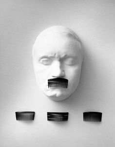 Spanish photographer Chema Madoz has won international recognition for his surreal black and white photos, and this list brings together some of his best pieces. Conceptual Photography, Artistic Photography, Creative Photography, Art Photography, Poesia Visual, James Nachtwey, Willy Ronis, Georges Seurat, Photo Store
