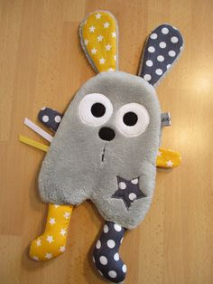 Doudou flat yellow and grey rabbit Baby Sewing Projects, Sewing For Kids, Fabric Toys, Fabric Crafts, Sewing Toys, Sewing Crafts, Baby Crafts, Crafts For Kids, Lol Dolls