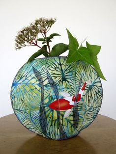 Lilypad fishbowl fabric vase (quilted over a stiff filling such as sold for the bills of caps) Art Textile, Textile Patterns, Fabric Paper, Fabric Scraps, Fabric Bowls, Contemporary Quilts, Vase, Textiles, 3d Shapes