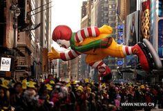 Macy's Thanksgiving Day Parade Photos | Ronald McDonald balloon floats during Macy's Thanksgiving Day parade ...