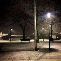 Snowing! #snowing #stockholm #stockholm_insta #strandvägen #sweden #1stsnowoftheyear2017 #tweaked #1photoaday