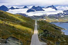 Norway by Manuel ROMARÍS, via Flickr