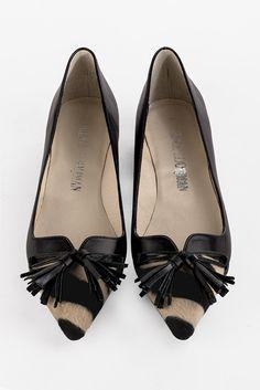 8496de81e74 Chaussures et maroquinerie Florence KOOIJMAN - ballerine pointue noir et  bout rayé beige et noir