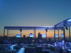 Panoramic Views & Amazing Cocktails! 15 of the World's Best Rooftop Bars! - Jetset Times