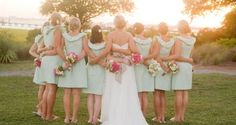<3 I looove the mint green bridesmaid dresses... And this picture :)