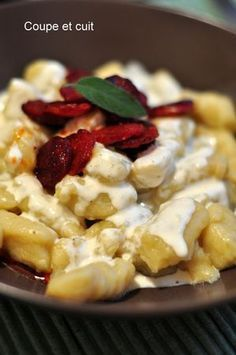 Homemade gnocchi, parmesan cream, grilled chorizo ​​- Cut and cooked - Pates - Meat Recipes Meat Recipes, Pasta Recipes, Cooking Recipes, Chorizo, Food Porn, Salty Foods, Comfort Food, How To Cook Pasta, Love Food