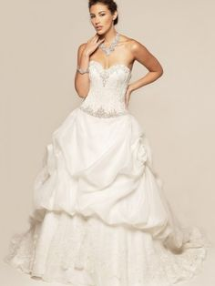 2012 Style A-line Sweetheart  Beading  Sleeveless Sweep / Brush Train Organza Wedding Dresses For Brides