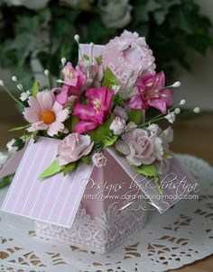 Flowers, Ribbons and Pearls: Pop Up Box - and no dies ...