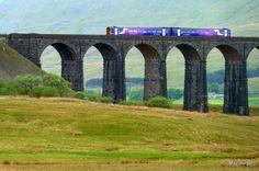 mb - England - Ribblehead  -  Scenic Railway Settle to Carlisle - http://www.settle-carlisle.co.uk/